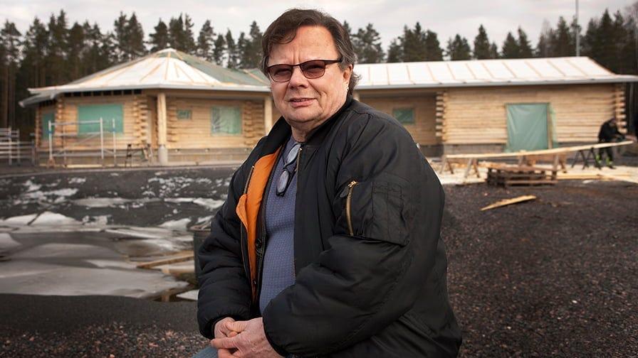 A Finnish entrepreneur John Ujanen built an octagonal house from aspen timber